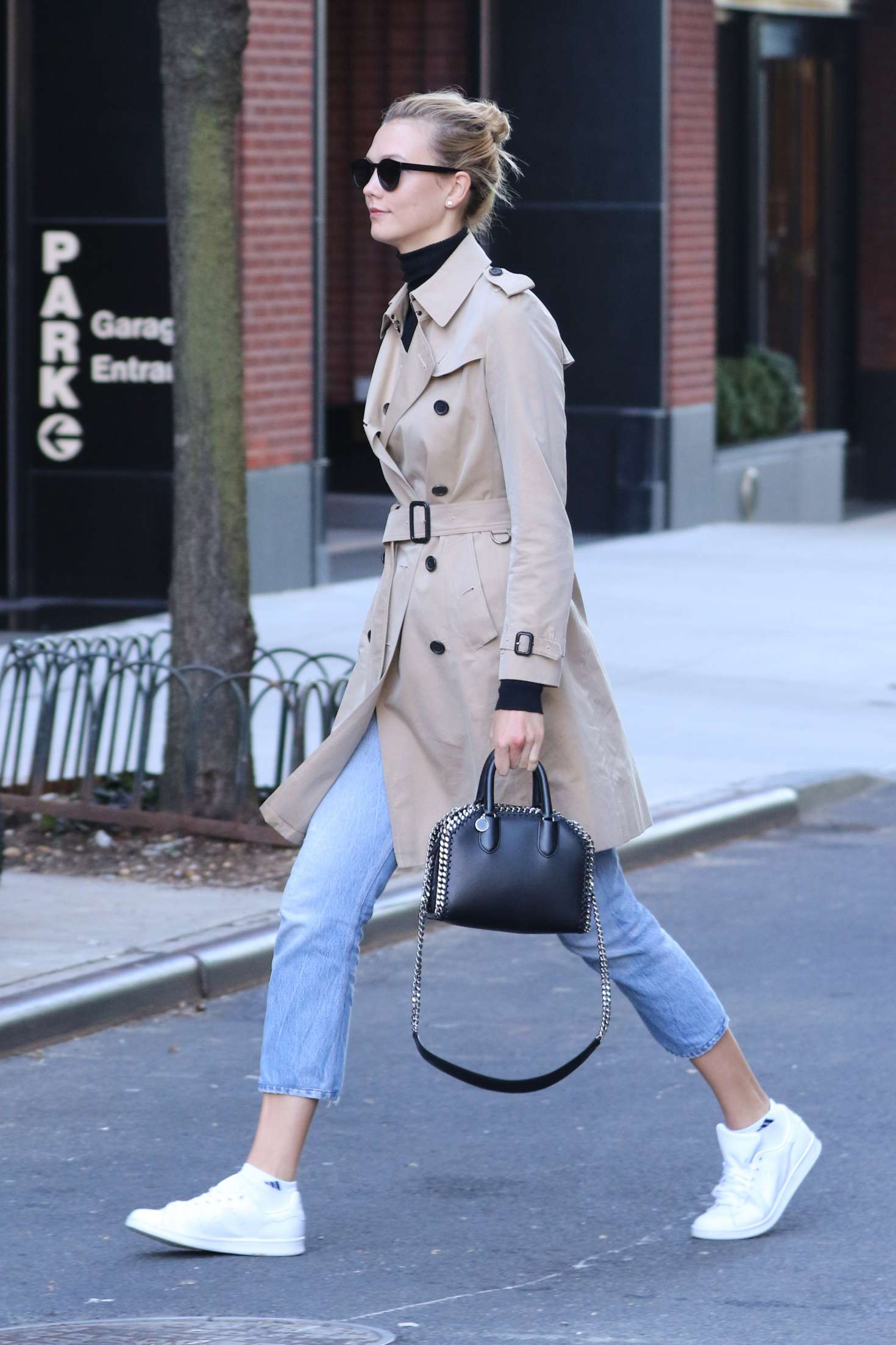Karlie Kloss 2016 : Karlie Kloss in Jeans and Coat -02