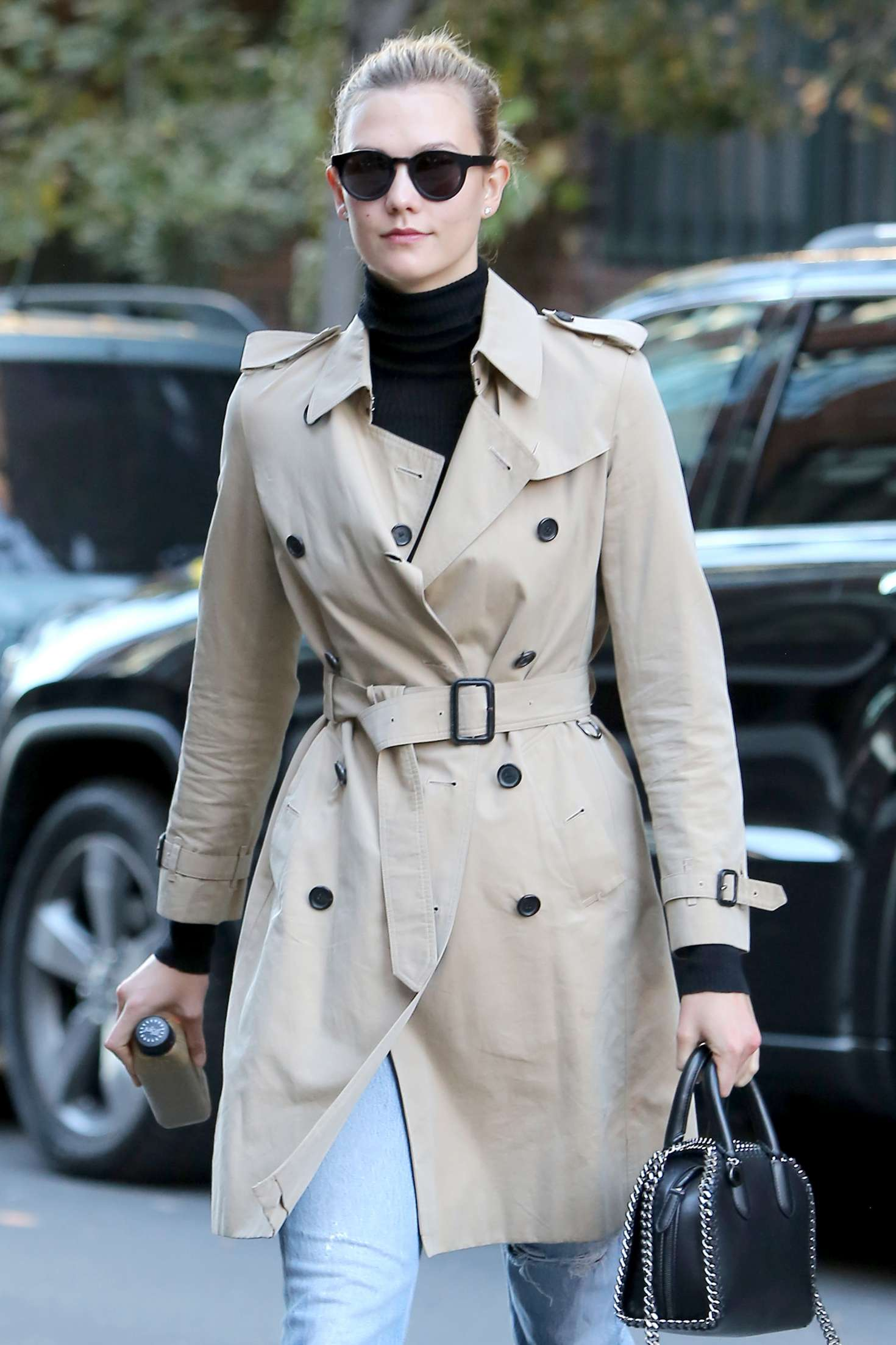 Karlie Kloss 2016 : Karlie Kloss in Jeans and Coat -05