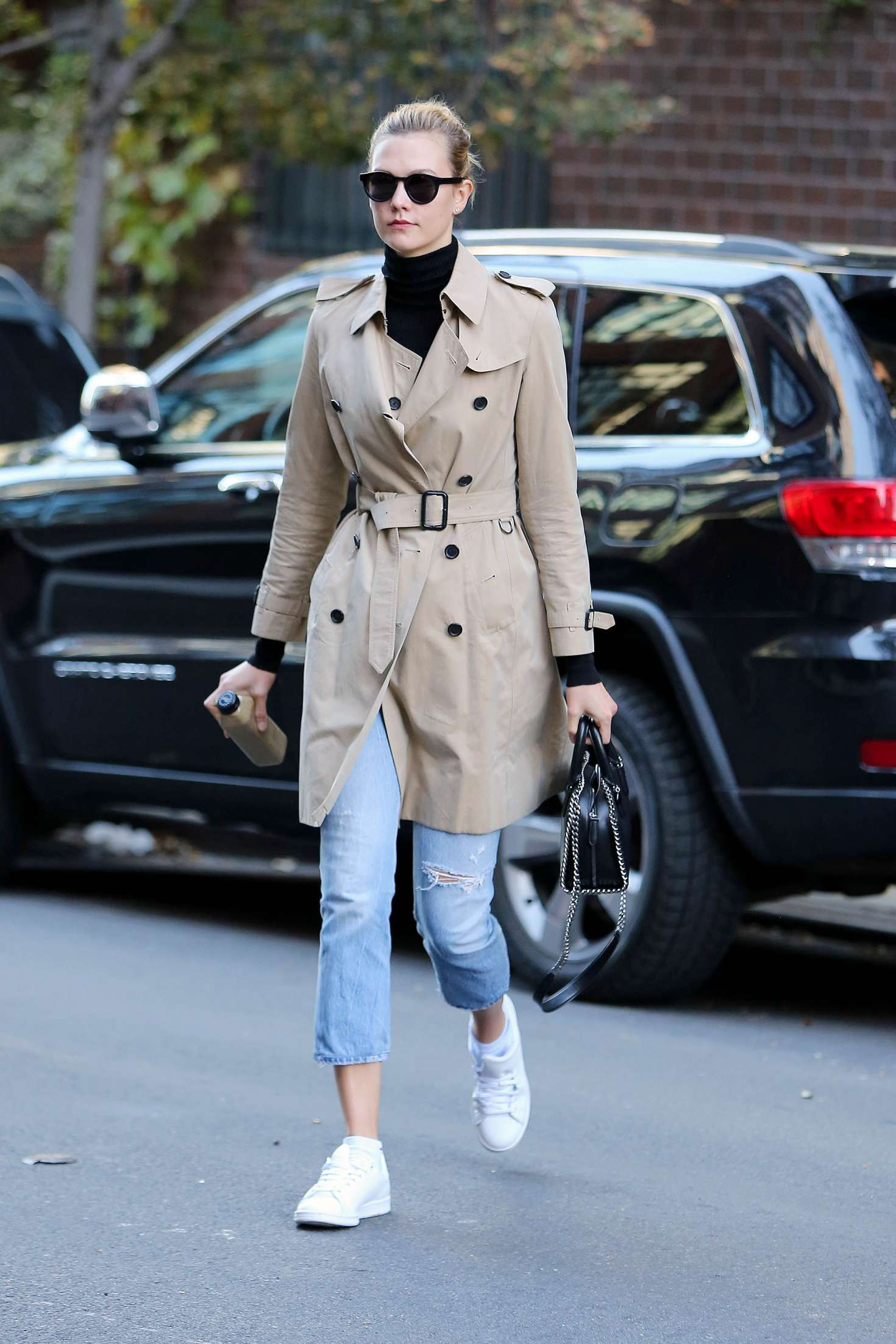 Karlie Kloss 2016 : Karlie Kloss in Jeans and Coat -10