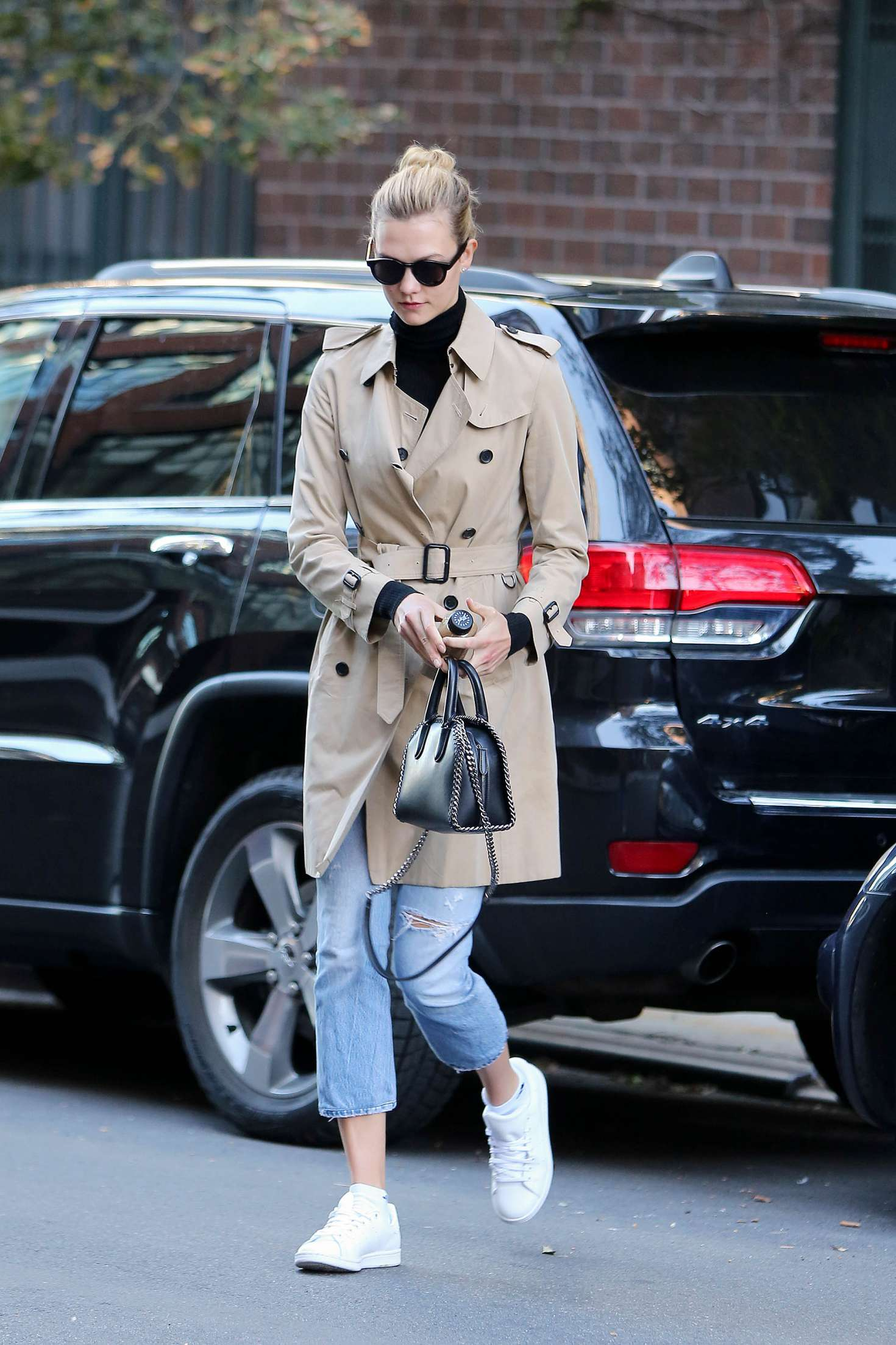 Karlie Kloss 2016 : Karlie Kloss in Jeans and Coat -11