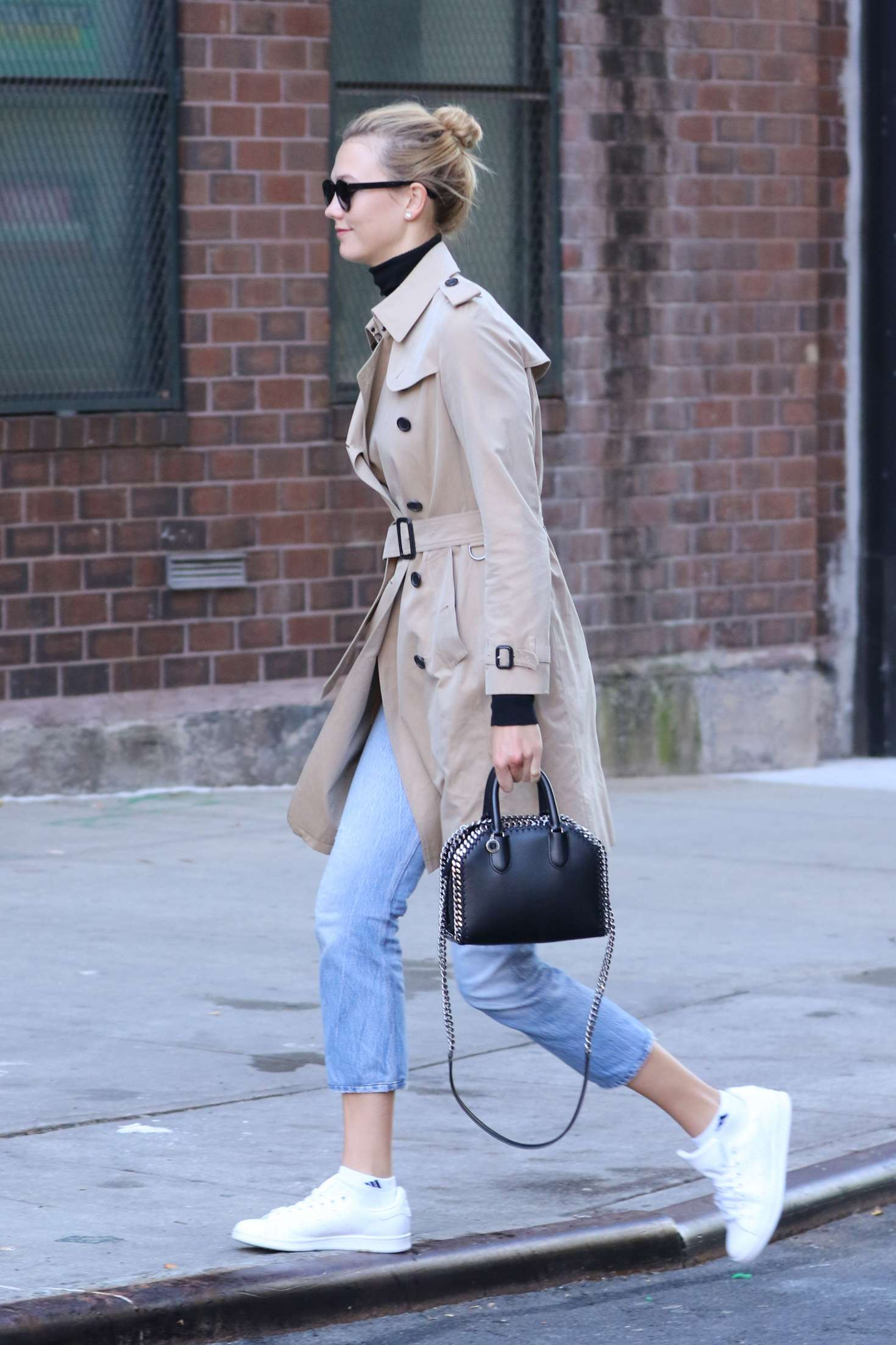 Karlie Kloss 2016 : Karlie Kloss in Jeans and Coat -13