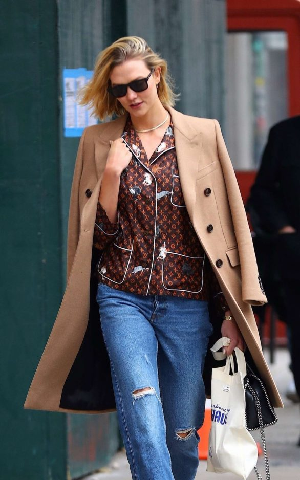 Karlie Kloss in Ripped Jeans - Out in New York City