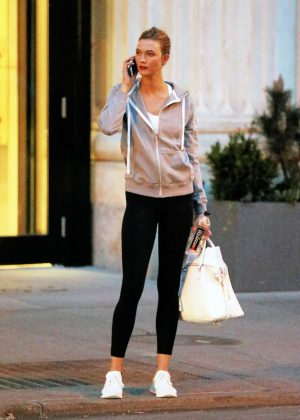 Karlie Kloss in Spandex Leaving the gym in New York City