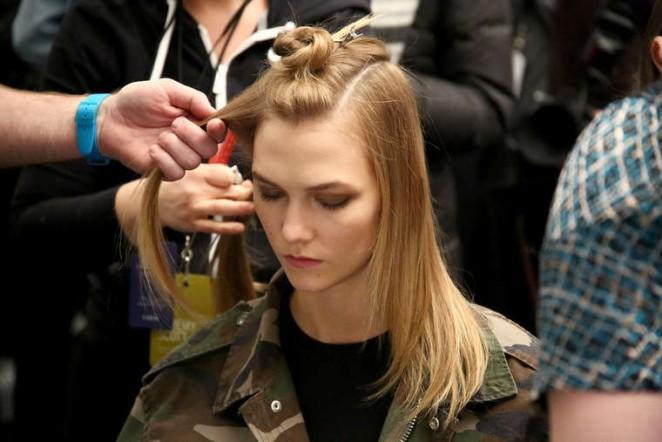 Karlie Kloss: Jeremy Scott Fall 2016 Fashion Show -02
