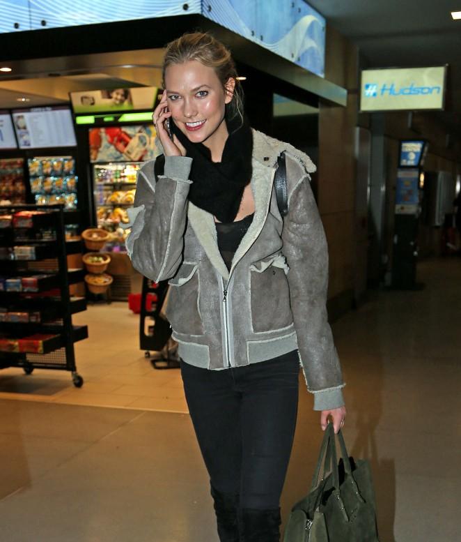 Karlie Kloss – JFK Airport in NYC