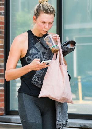 Karlie Kloss - Leaves the gym in New York City