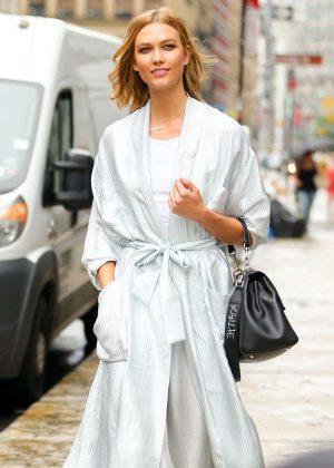 Karlie Kloss Leaving a photoshoot in SoHo