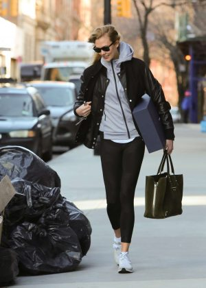 Karlie Kloss - Leaving her apartment in New York City