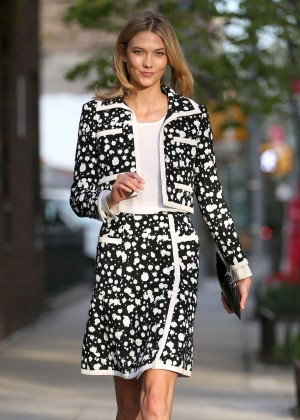 Karlie Kloss - Leaving her apartment in NYC
