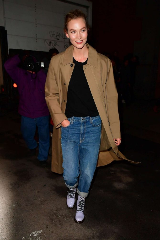 Karlie Kloss – Leaving the Marc Jacobs Fashion Show in New York