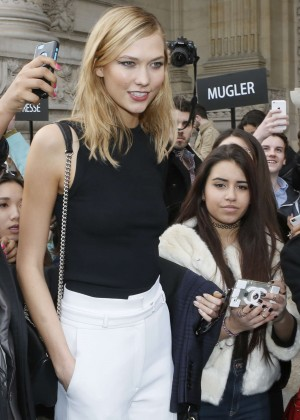 Karlie Kloss - Leaving the Mugler Fashion Show in Paris