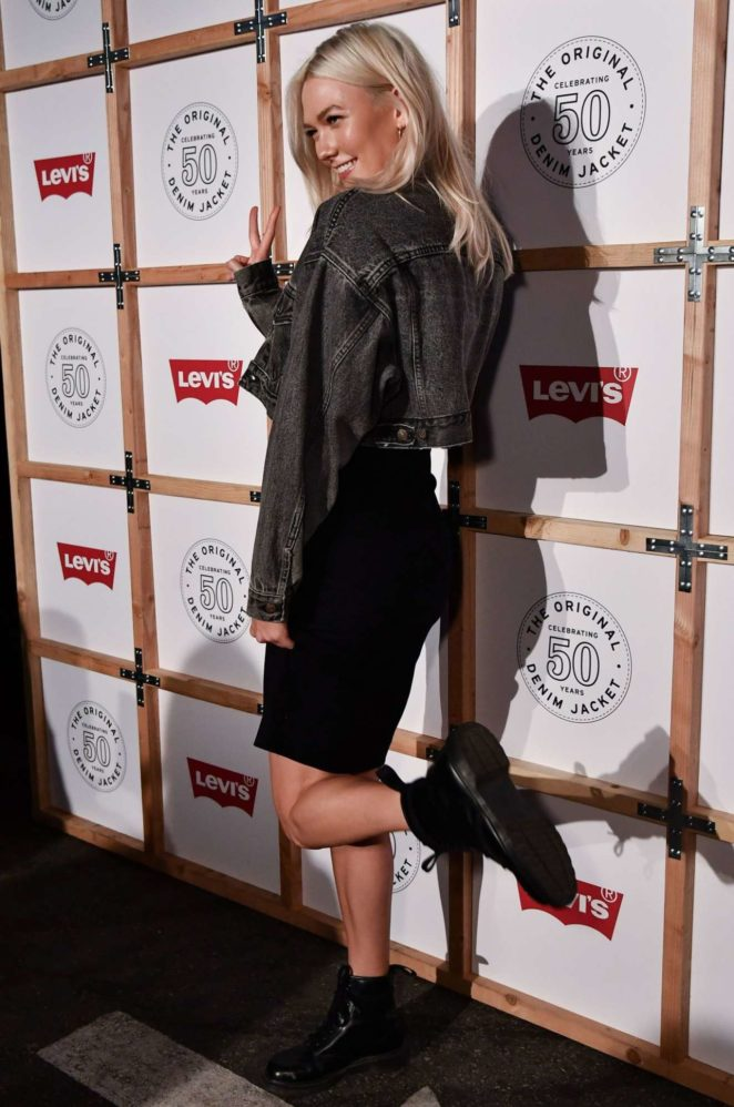 Karlie Kloss – Levi's Trucker Jacket Party Photocall in Los Angeles