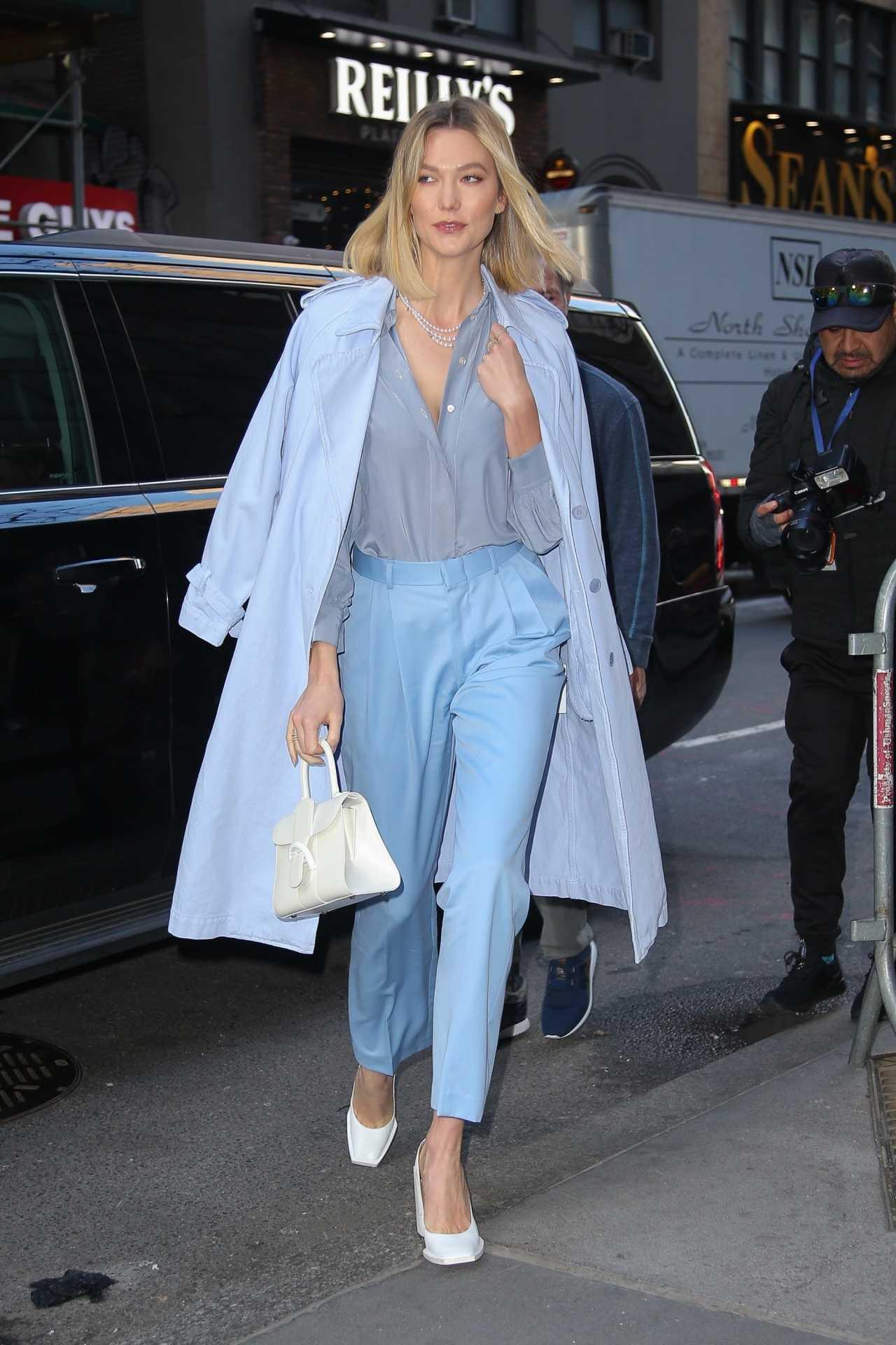 Karlie Kloss - Looks stunning in New York City
