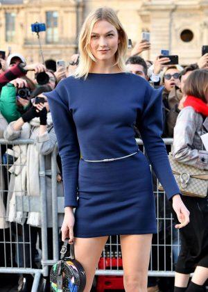 Karlie Kloss - Louis Vuitton Fashion Show in Paris
