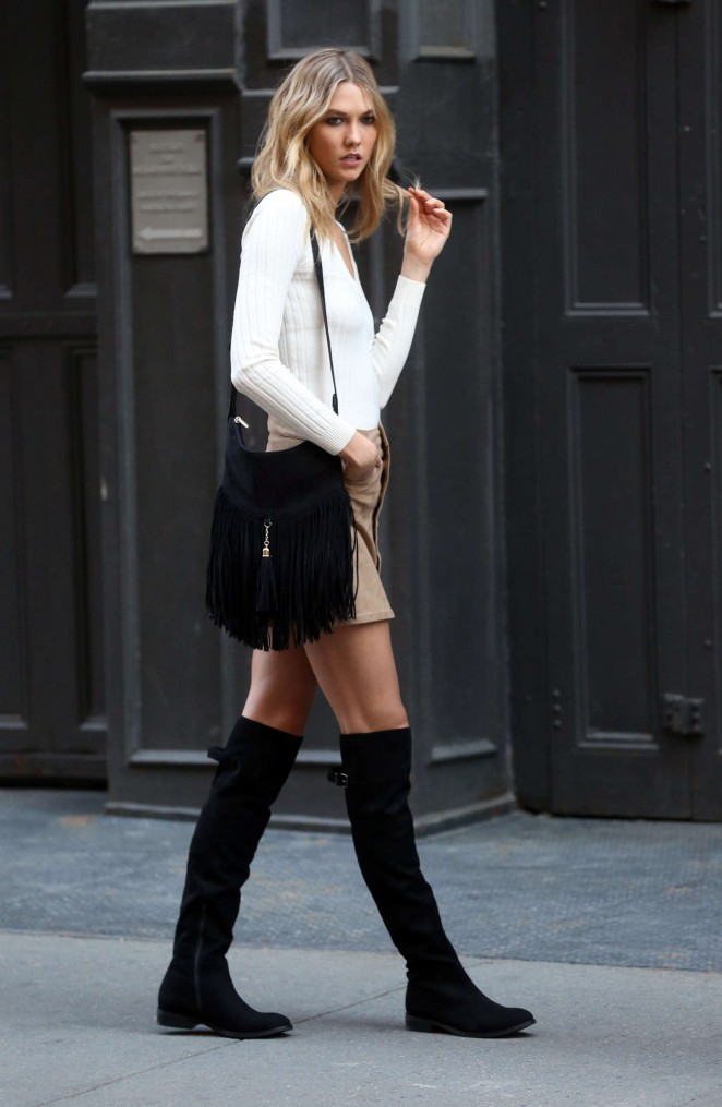Karlie Kloss: Photoshoot in NYC -01