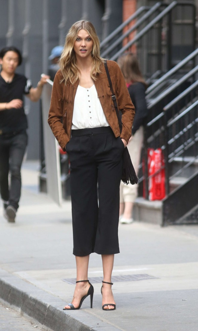 Karlie Kloss: Photoshoot in NYC -03