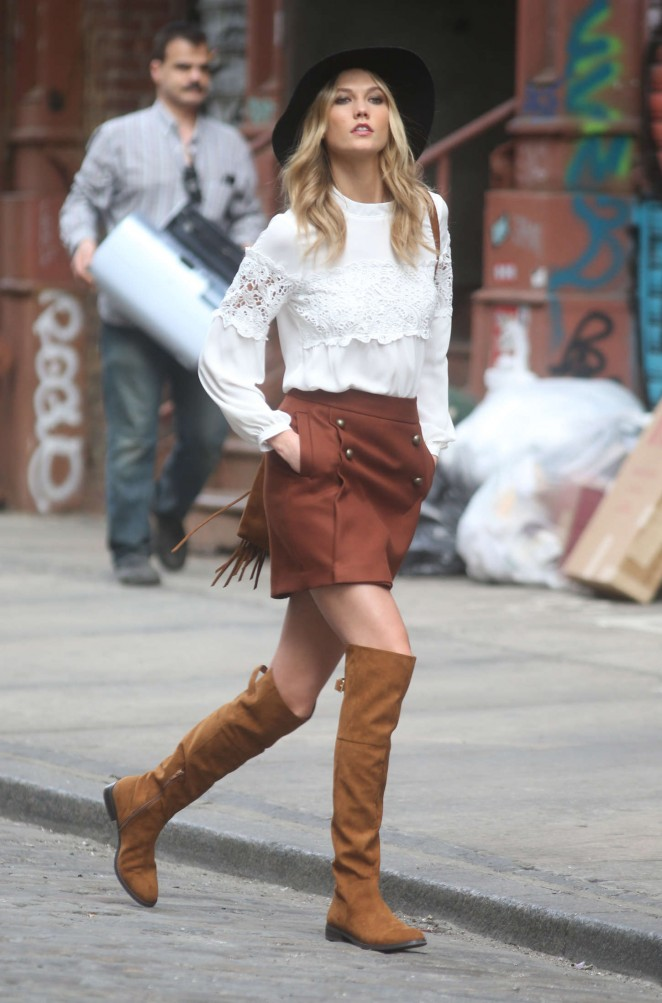 Karlie Kloss: Photoshoot in NYC -05