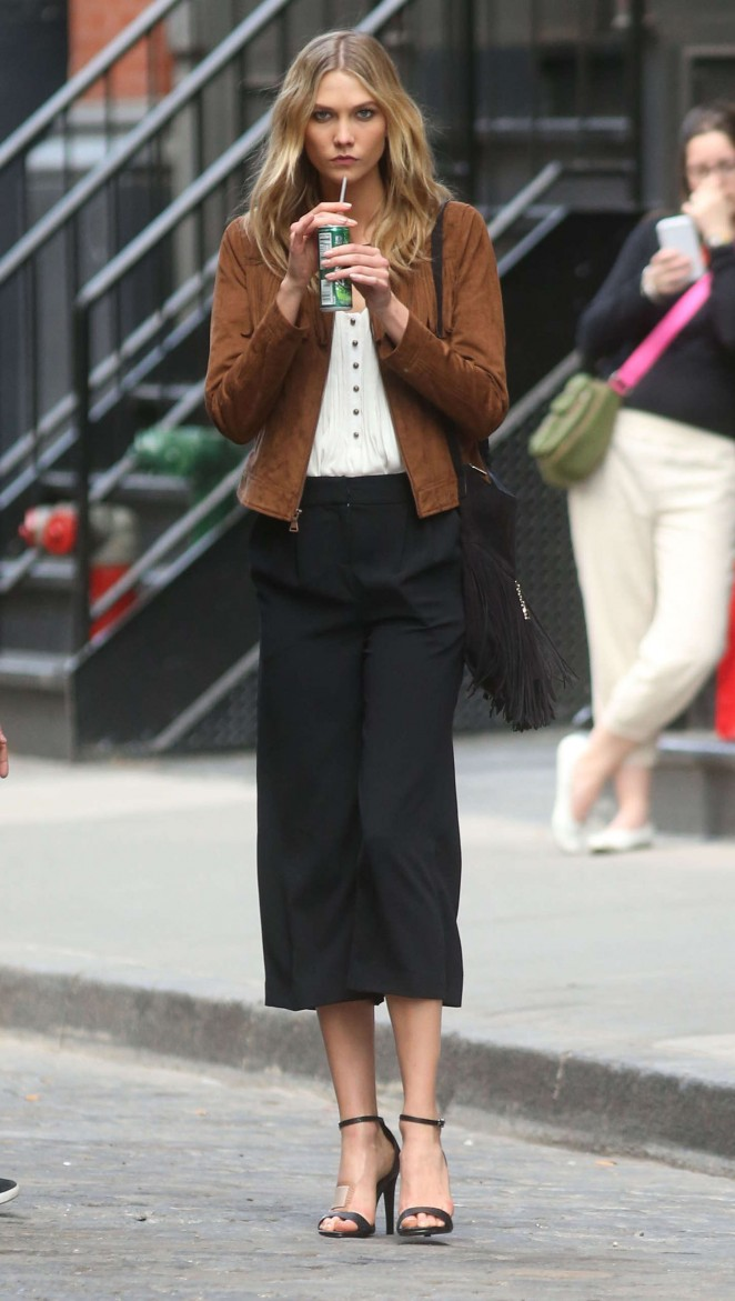 Karlie Kloss: Photoshoot in NYC -06
