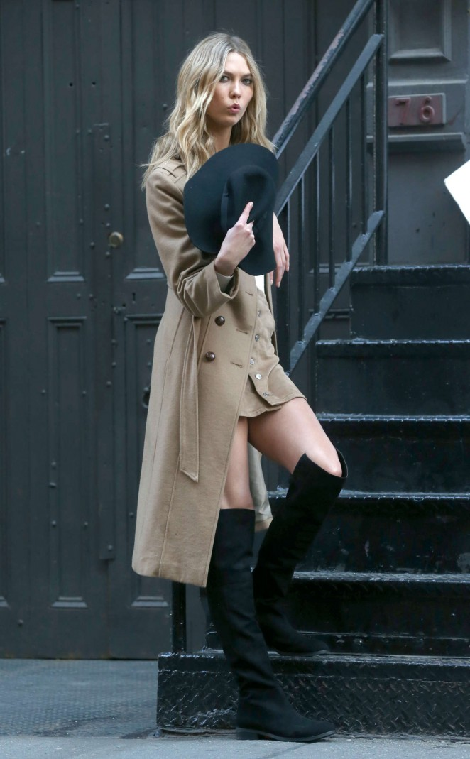 Karlie Kloss: Photoshoot in NYC -08