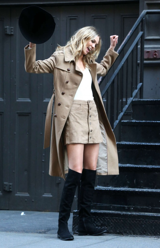 Karlie Kloss: Photoshoot in NYC -10