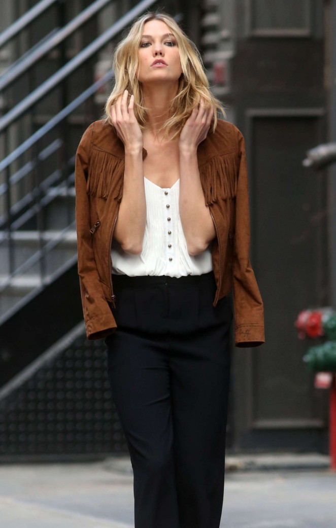 Karlie Kloss: Photoshoot in NYC -13