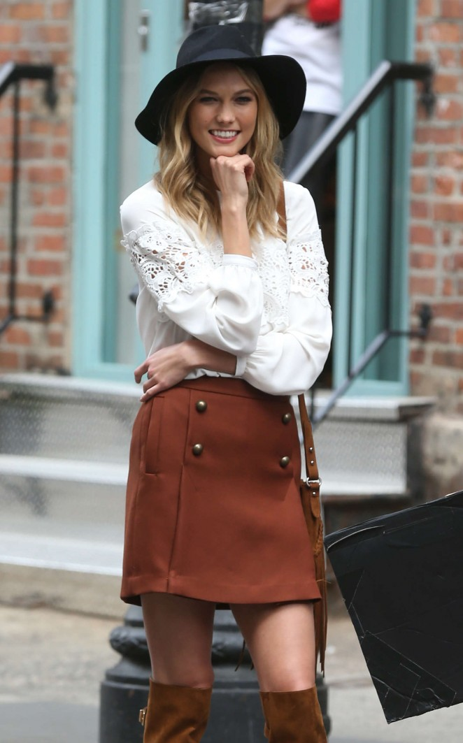 Karlie Kloss: Photoshoot in NYC -14
