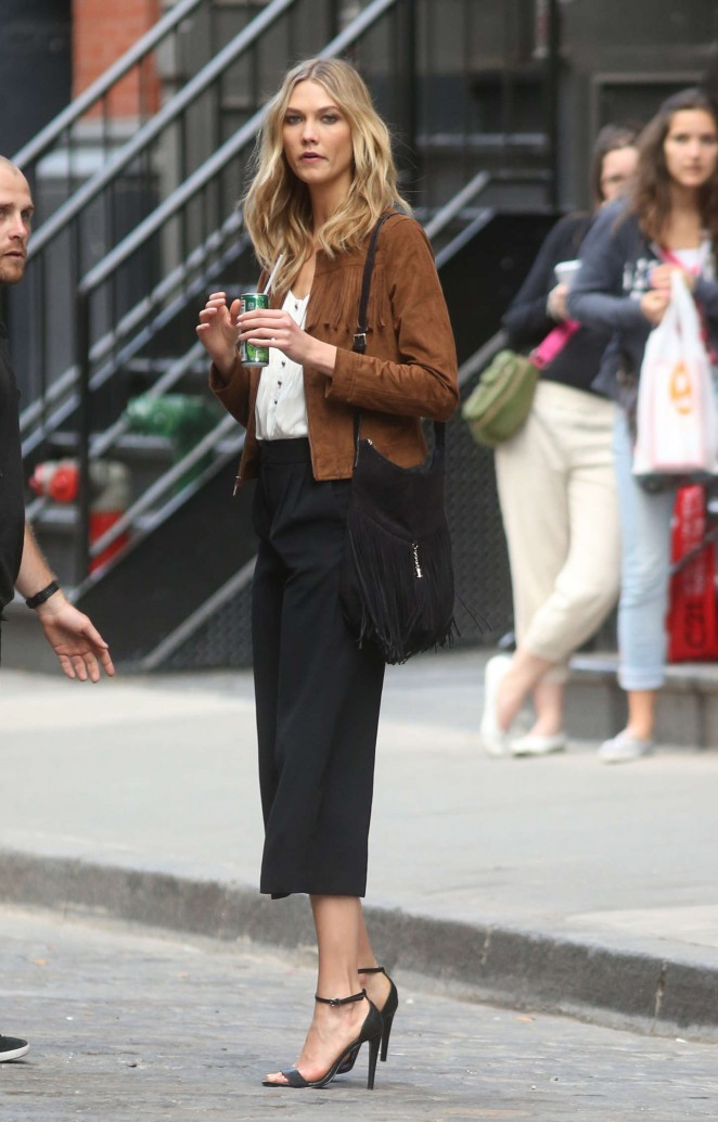 Karlie Kloss: Photoshoot in NYC -17