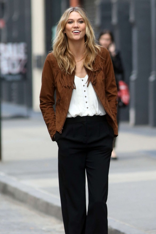 Karlie Kloss: Photoshoot in NYC -22