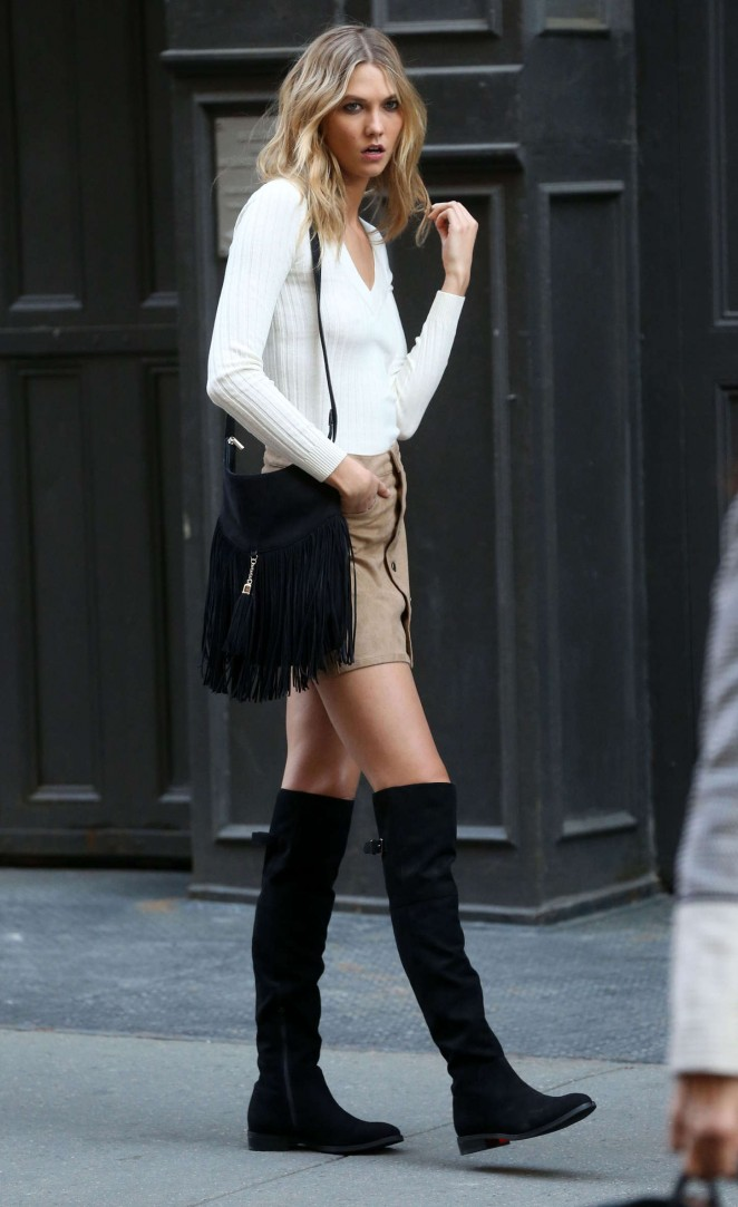 Karlie Kloss: Photoshoot in NYC -23
