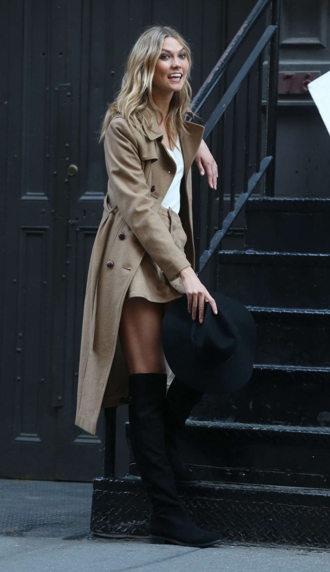 Karlie Kloss: Photoshoot in NYC -27