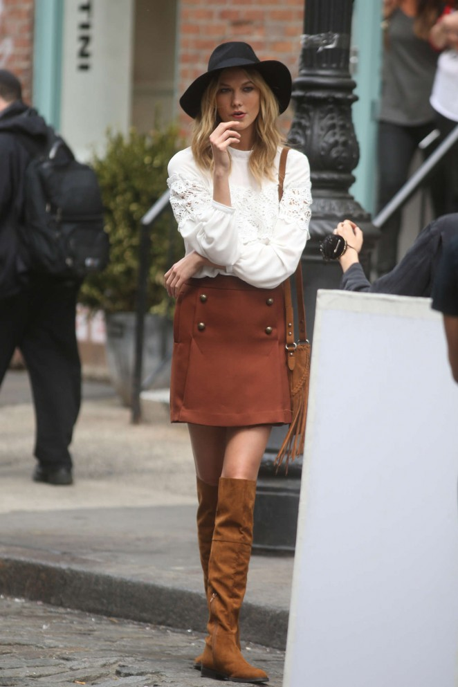 Karlie Kloss: Photoshoot in NYC -29