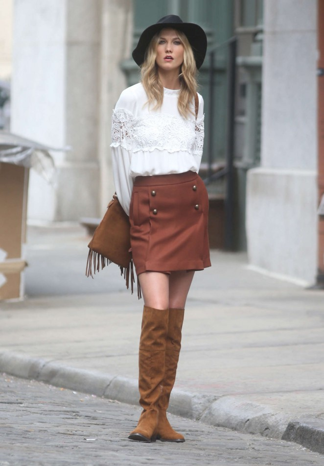 Karlie Kloss: Photoshoot in NYC -31
