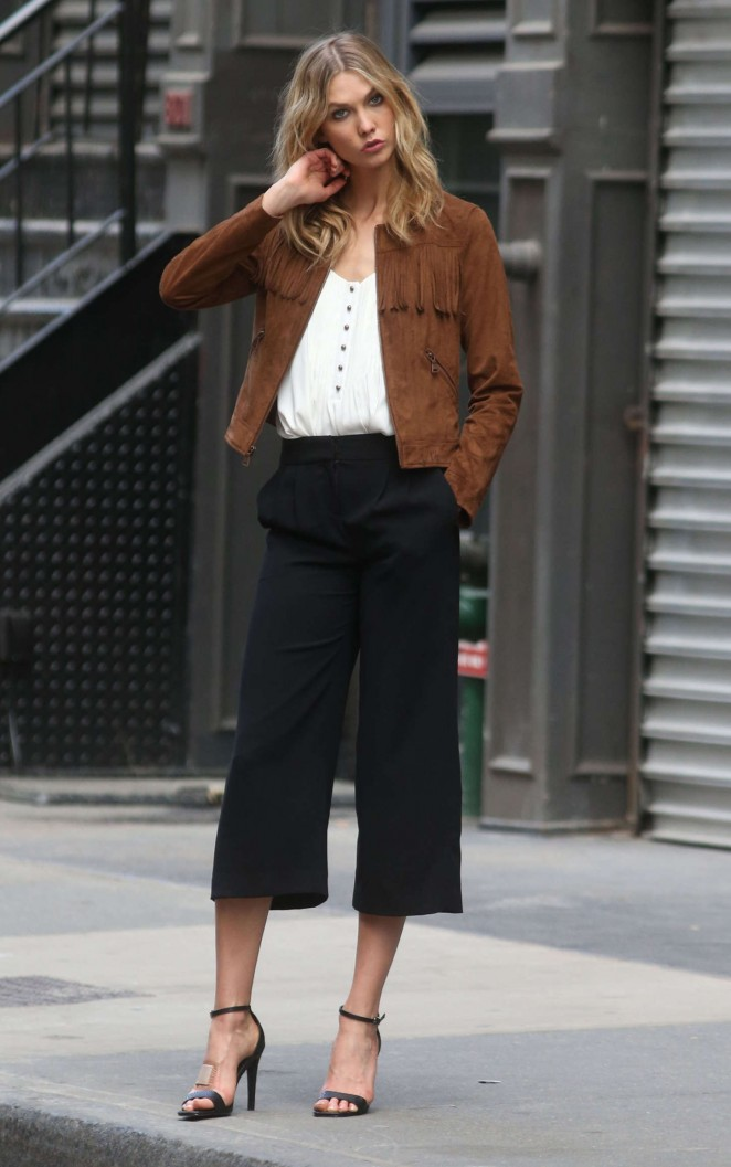 Karlie Kloss: Photoshoot in NYC -33