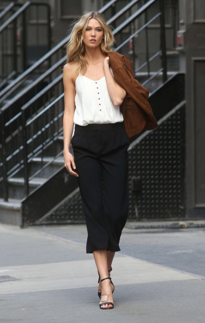Karlie Kloss: Photoshoot in NYC -36