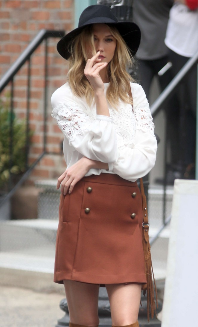 Karlie Kloss: Photoshoot in NYC -39