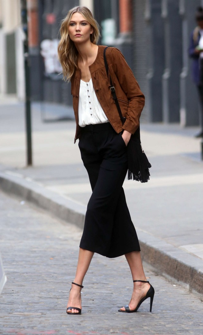 Karlie Kloss: Photoshoot in NYC -41