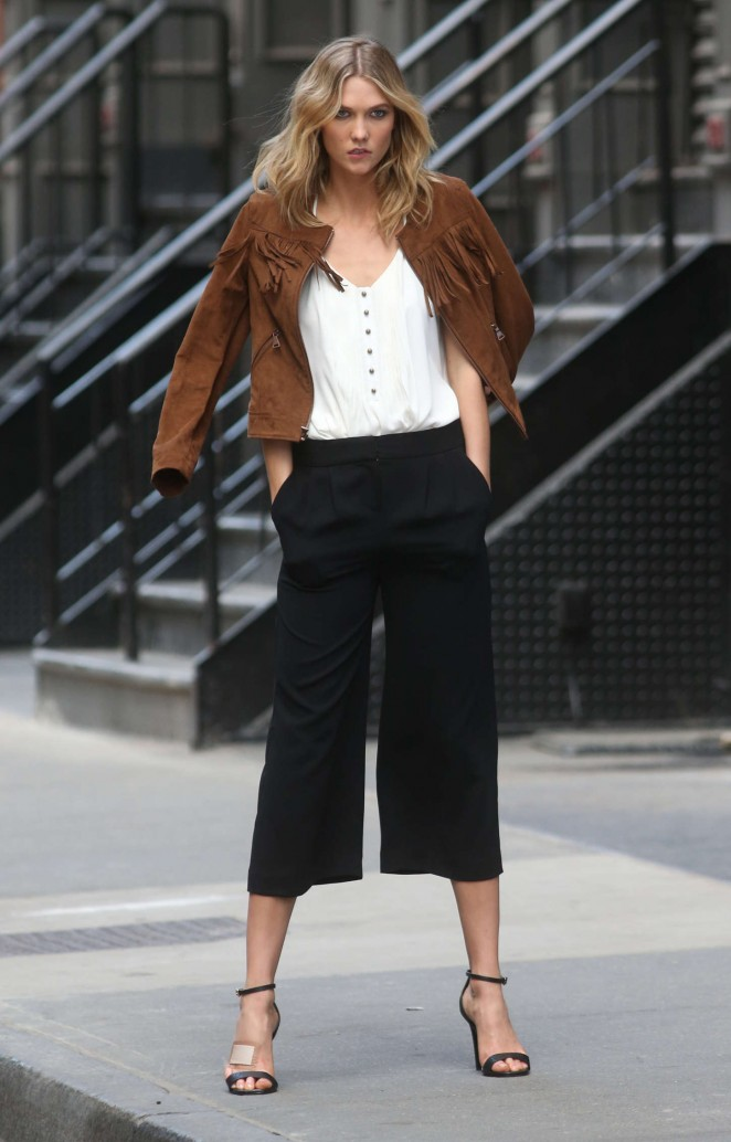 Karlie Kloss: Photoshoot in NYC -44