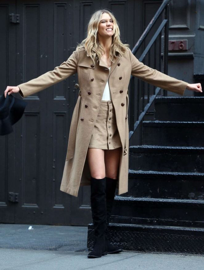 Karlie Kloss: Photoshoot in NYC -46