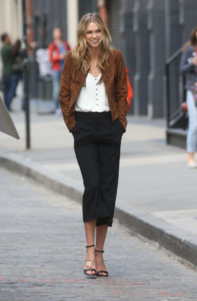 Karlie Kloss: Photoshoot in NYC -48