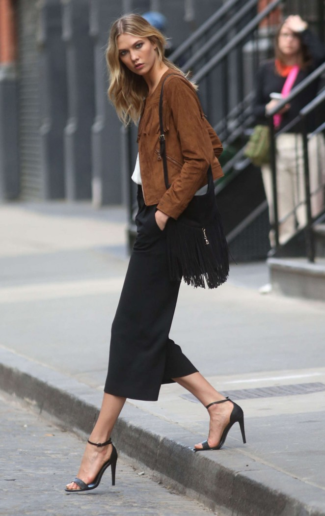 Karlie Kloss: Photoshoot in NYC -51