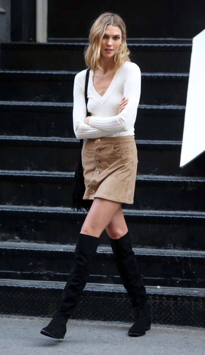 Karlie Kloss: Photoshoot in NYC -52