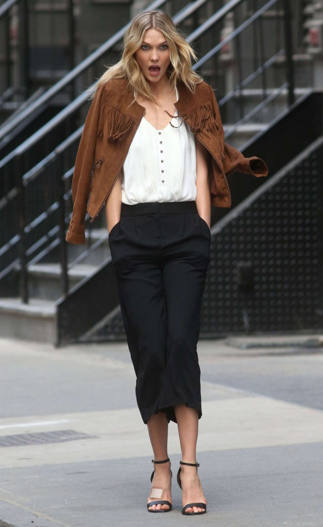 Karlie Kloss: Photoshoot in NYC -56