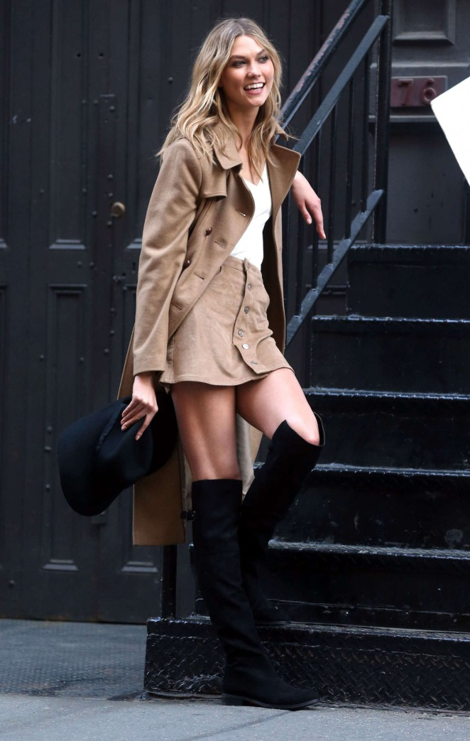 Karlie Kloss: Photoshoot in NYC -60