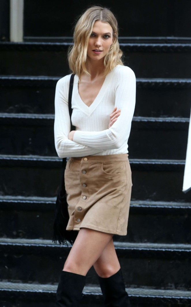 Karlie Kloss - On set of a photoshoot in NYC