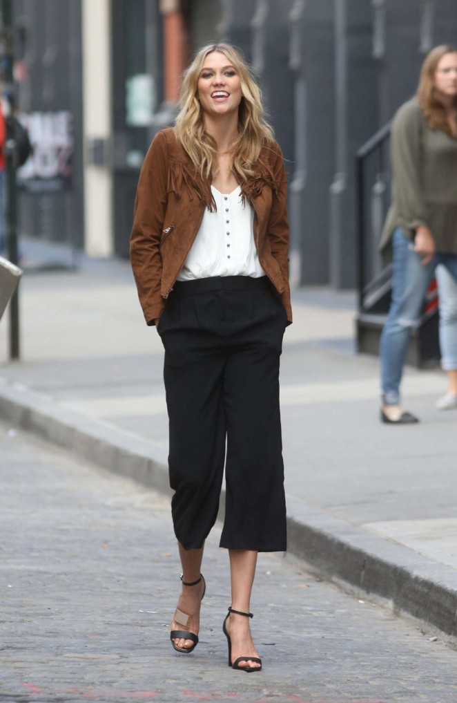 Karlie Kloss: Photoshoot in NYC -74