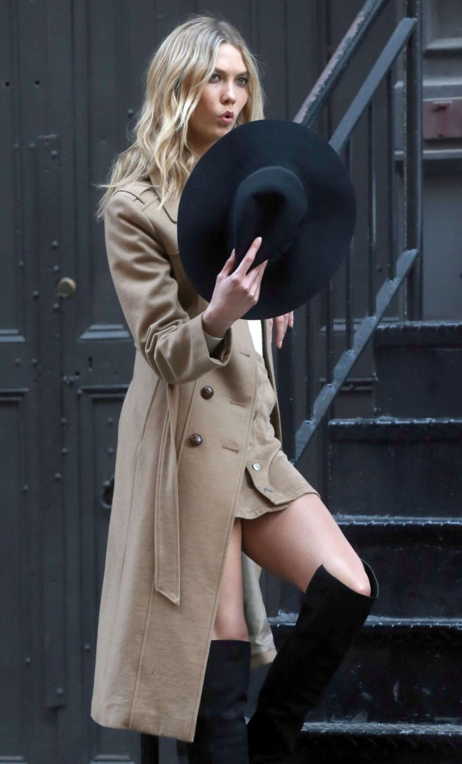 Karlie Kloss: Photoshoot in NYC -90