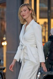 Karlie Kloss - Oout in Manhatten New York