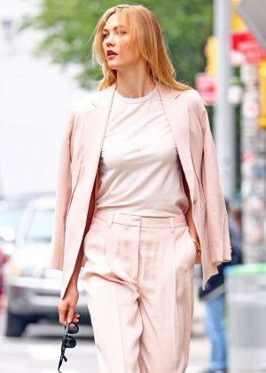 Karlie Kloss - Out and about in Manhattan
