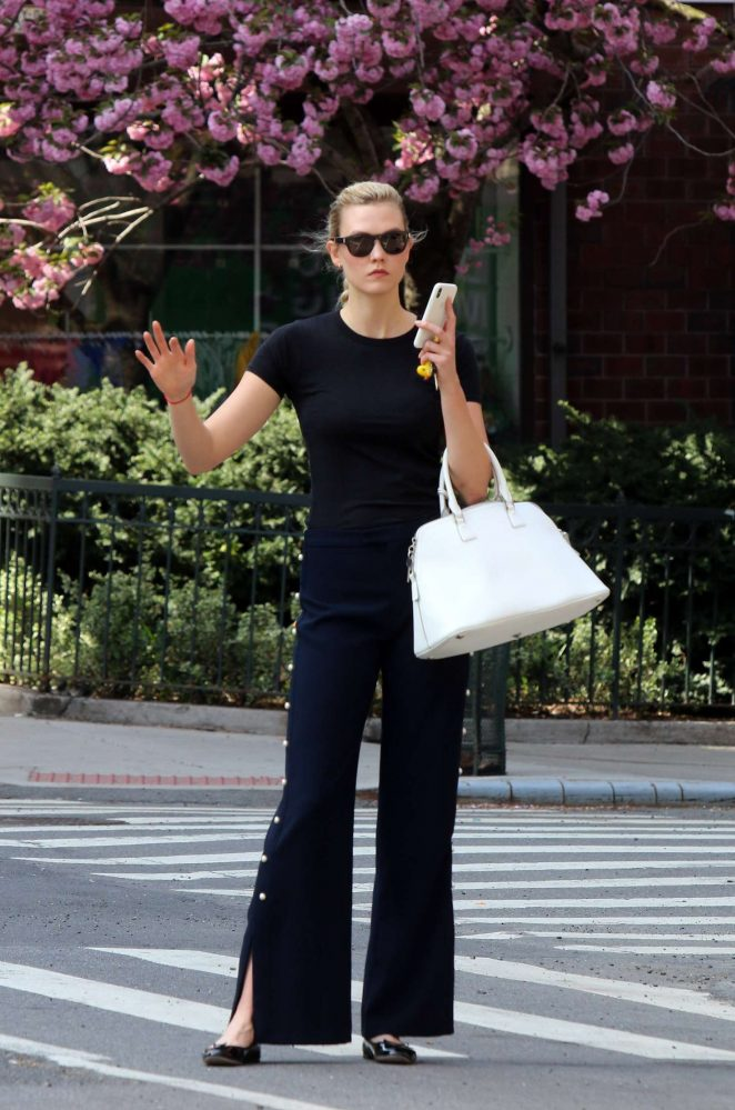Karlie Kloss – Out and about in New York
