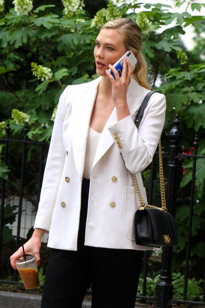 Karlie Kloss - Out and about in NYC